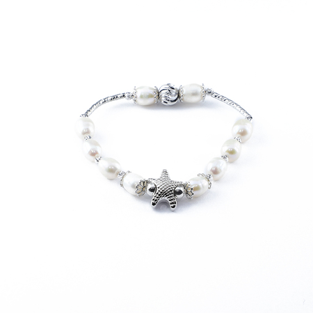 Pearl Bracelet with Metal Starfish